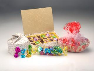buy Chocolate Hamper by Chocolate Junction