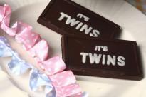 IT'S TWINS