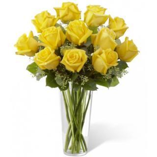 buy 12 Yellow Roses in vase