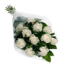 buy 12 White Rose Bouquet