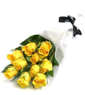 buy 15 Yellow Rose Bouquet