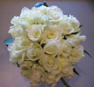 buy 24 White Rose Bouquet