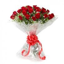 Send Blooming Love Red Roses Bouquet to agartala