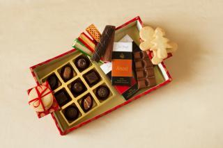 buy Designer Christmas  Chocolate Hamper