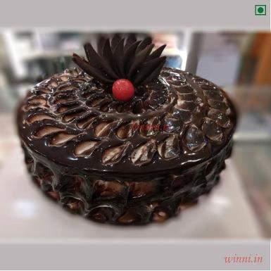 Buy Chocolate Fudge Eggless Cake