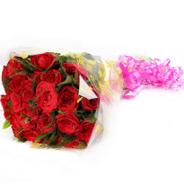 Romantic Blooms Red Roses Bunch
