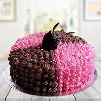 Sizzling Chocolate Strawberry Cake