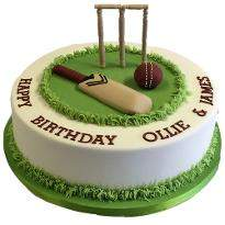 Cricket Pitch Fondant cake
