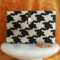 Beautiful doubleshade clutch