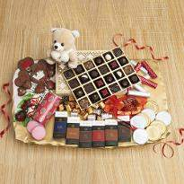 Greatest Romance Chocolate Hamper