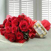 15 Red Roses With Chocolate