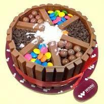 Kitkat Love Cake